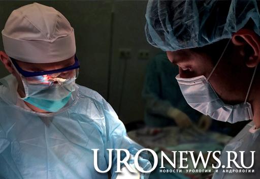 Оперируют: проф. Н.Д. Ахвледиани, к.м.н. И.П. Матюхов. Новый метод лечения преждевременного семяизвержения.