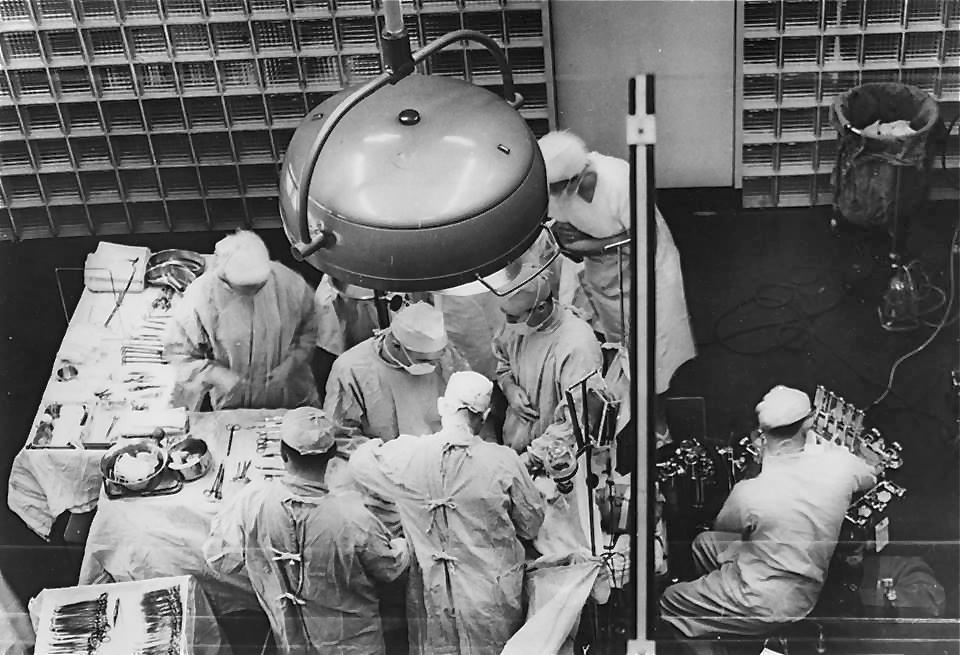 Историческое фото, первая успешная операция по пересадке почки